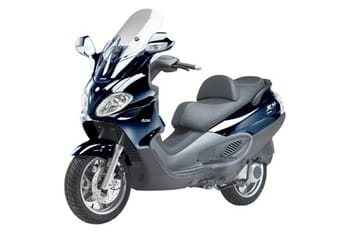 piaggio x9 evolution 125 test et avis sur l 39 internaute automobile. Black Bedroom Furniture Sets. Home Design Ideas