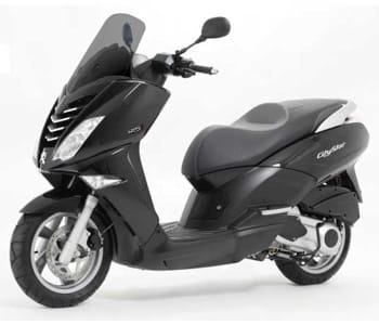 scooters 125 cm3 comparatif test et avis sur l 39 internaute automobile. Black Bedroom Furniture Sets. Home Design Ideas