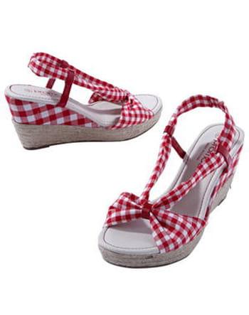 sandale rouge compense