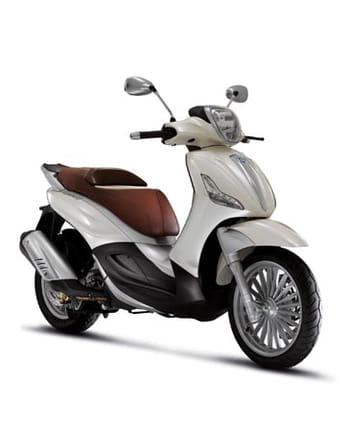 scooters 125 cm3 grandes roues comparatif test et avis sur l 39 internaute automobile. Black Bedroom Furniture Sets. Home Design Ideas